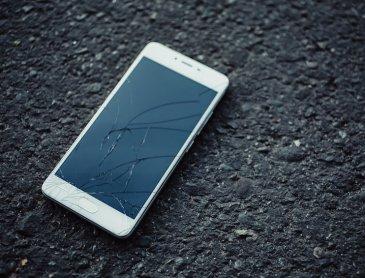 Intervention rapide pour réparation vitre fissurée Samsung Galaxy S7 à Roanne