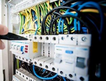Électricien pour la rénovation d'un tableau électrique Legrand à Vienne