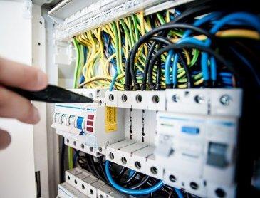 Devis gratuit rénovation système électrique àDigoin