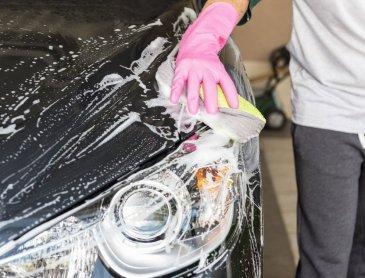 Professionnel pour nettoyage et lustrage de véhicule à Roanne