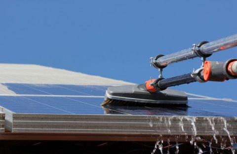 Entreprise spécialisée nettoyage panneaux photovoltaïques à Roanne