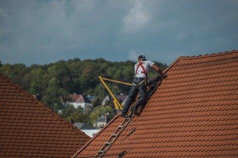 Devis pour rénovation de toiture maison àMolinet